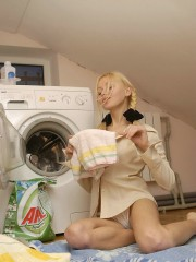 Naked Anne Washing Machine Fun Day - Picture 1
