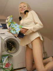 Naked Anne Washing Machine Fun Day - Picture 4
