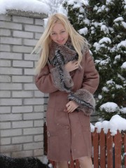 Anne Naked In The Snow Showing Her Tight Body - Picture 2